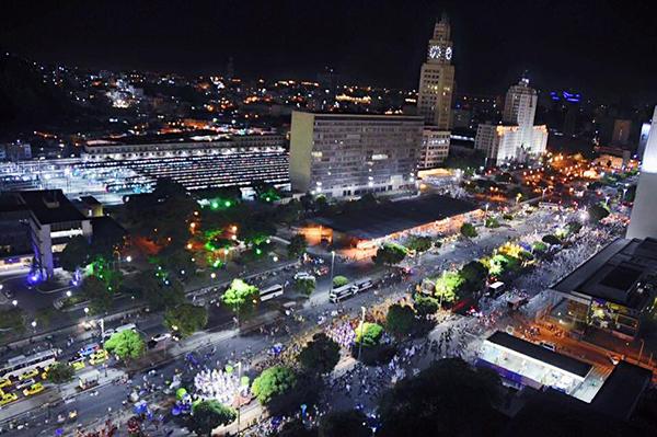 憧れのお祭り、ブラジル・リオのカーニバルへ女子旅! あの熱狂的な雰囲気を思う存分楽しみたい♡