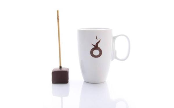 熱々ミルクにチョコがとろーり!ベルギー発「ショコレ」で作る濃厚ホットチョコレートに癒されたい♡