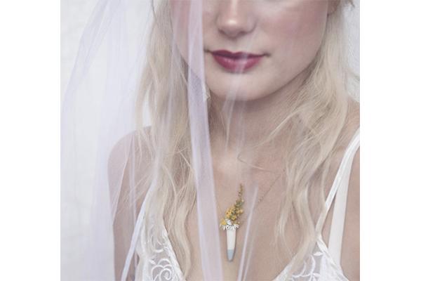 本物のお花がアクセサリーに♡花瓶型のネックレスがかわいすぎる!