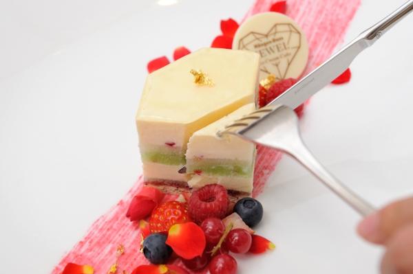 """目黒川のお洒落スポット「ストール」でしか食べられない!ハーゲンダッツの""""ジュエルなアイスケーキ""""が気になる♡"""
