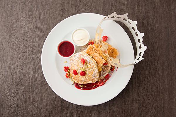 セールの合間に味わいたい♡サラベスに新年を祝うガレット・デ・ロア風パンケーキが期間限定で登場♡