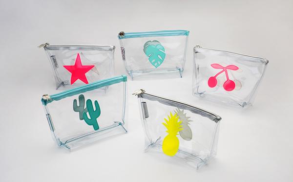 周囲と差をつけるなら今すぐGet☆パリジェンヌも夢中のビニール素材バッグがネットで購入可能に!