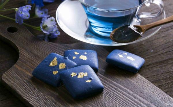 世界初・天然由来の青色チョコレートが誕生!ヴィレヴァンオンライン限定で予約スタート!
