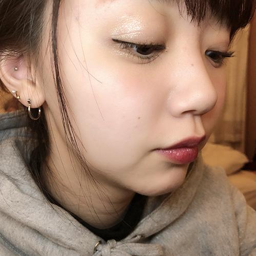 【isuta GIRL】今気になるのはラメ入りグロス♡江野沢愛美のこだわりコスメ教えちゃいます♩