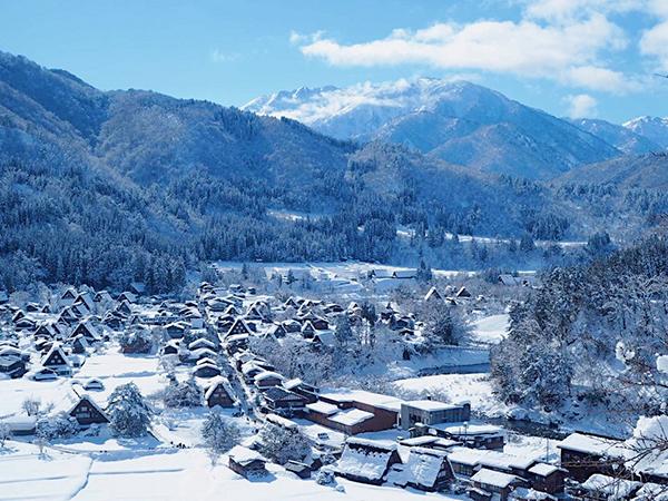 日本の古き良き冬を満喫する。ポスターでもよく見かける岐阜県・白川郷へ1泊2日の女子旅♡