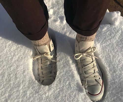 雪道でもお気に入りの靴が履きたい♡靴底に貼るだけで簡単に滑り