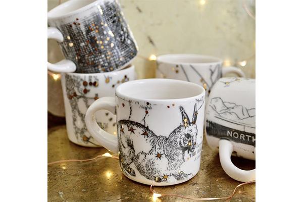 プレゼントにもぴったり!キラッと輝く星座が描かれたマグカップが神秘的♡