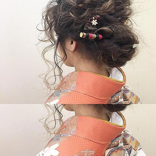 一生に一度の晴れ舞台。卒業式にぴったりな、振袖に合わせたいヘアアレンジカタログ♡