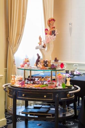 チョコのイースターエッグ&店内デコも♩憧れの「ジョエル・ロブション」で春の訪れを感じたい