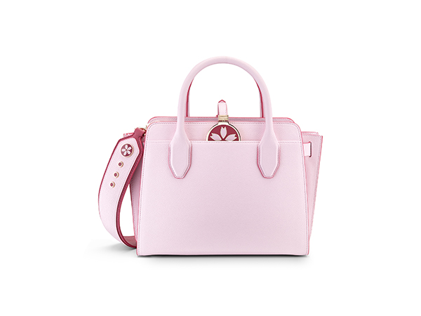 春らしい桜カラーがキュート♡ローラも愛用のブルガリが日本限定モデルのバッグを発売!