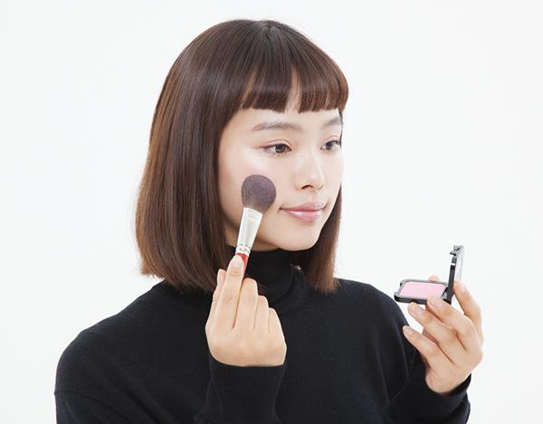 """コスメ好きに人気のNYX Professional Makeupが日本再上陸!キラキラアイテムをたくさん使った春の""""キラツヤ""""メイク、教えます♡"""