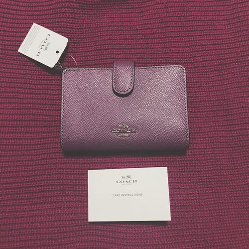新しい季節に新調したい。  シンプルに使える、人気ブランドの「ミニ財布コレクション」