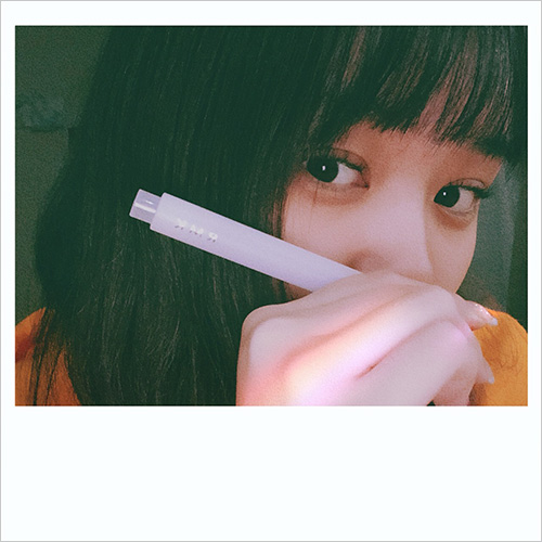 この春挑戦したいのは「押し花ネイル」♡おしゃれな女の子のネイル事情~江野沢愛美編~
