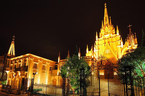女子会するならココ♡キラキラなフォトジェ空間が広がるビアホールが青山セントグレース大聖堂に登場
