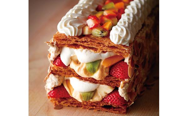 キハチのトライフルロールがサクッサクのパイに!作り立ての贅沢を味わいにいこっ♡