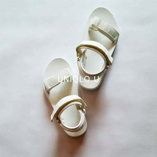 完売前にGETせよ!ユニクロユーのスポサンがプチプラがかわいい&履きやすくて優秀♡