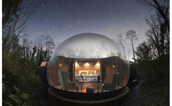 リゾートマニアの間で話題♡満天の星空を見上げる北アイルランドの「バブルドーム」に泊まってみたい!