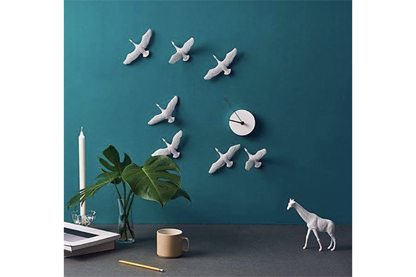 躍動感がたまらない♡渡り鳥が飛び交うアートな壁掛け時計