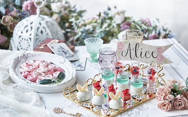 アリスのお茶会に招かれた気分♡ザ ストリングス 表参道が2日間限定ブッフェ「アリスのローズガーデン」を開催