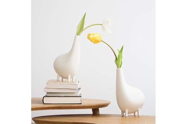 どんなお花を飾ろうかな♩想像力を刺激してくれる不思議な形の花瓶を発見