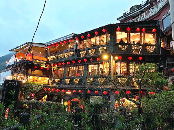 週末旅行にぴったりな台湾をご紹介。ノスタルジックな雰囲気漂う九份は昼と夜で違う顔が楽しめる♡