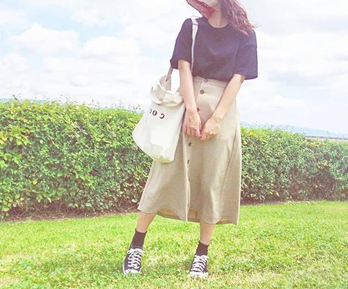 隠れた名品揃いのGUの990円アイテム♡Tシャツからサンダルまで、おすすめアイテムをピックアップ