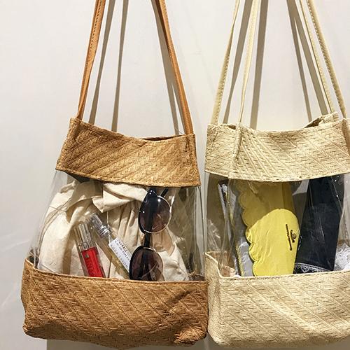 大人っぽいブラウンとベージュのカラーが素敵。3COINS新入荷のクリア×かご素材のバッグが可愛いと話題♡