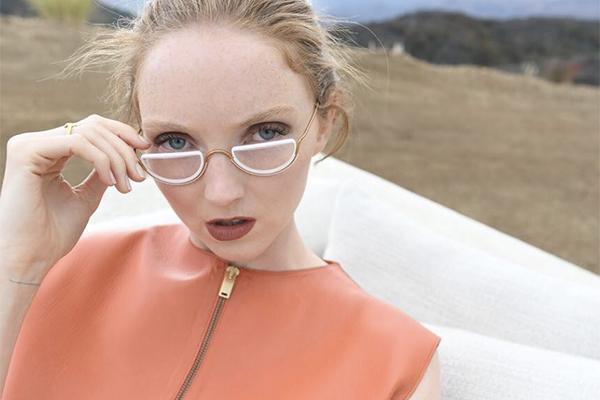好みや気分によってリムごとレンズを変更可能。シンプルデザインのワイヤーサングラスがかわいい♡