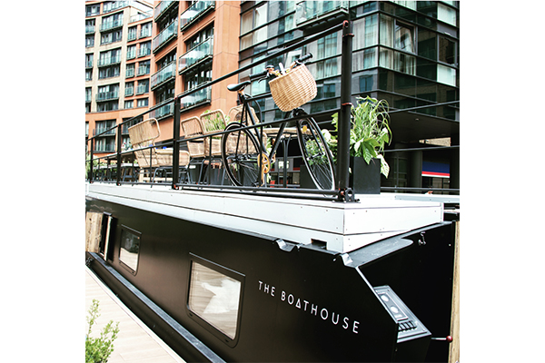 """シックなインテリアにひとめぼれ♡ロンドンにある浮遊式ホテル""""ボートハウス""""に泊まってみたい"""