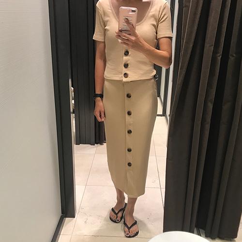 今から秋冬まで使える!セットアップでも着られるZARAの「リブスカート」が気になる♡