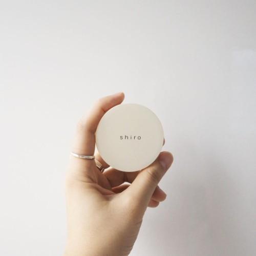 2000円ちょっとで買えちゃう♡ポケットにも入る「shiro」の練り香水が、男女ともにウケ抜群の優れモノなんです♡