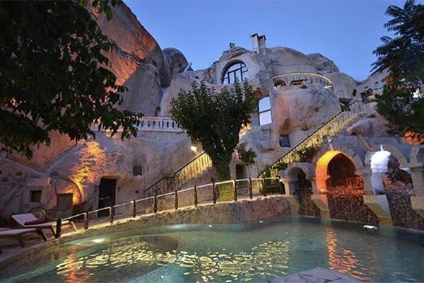 エキゾチックな雰囲気が旅を一層盛り上げる♡トルコ・カッパドキアの洞窟ホテル