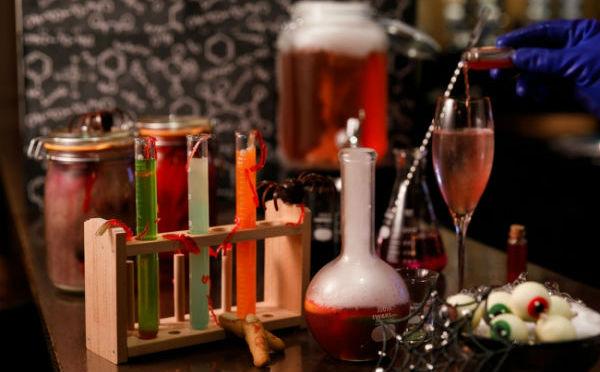 ハロウィンはバーが実験室に♩グランドハイアット東京「秋の新作カクテル」が待ち遠しい♡
