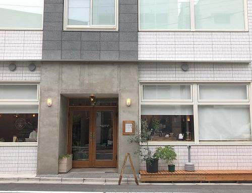 東京をたっぷり満喫しよう♩都内の気軽に泊まれるカフェ併設ゲストハウス特集
