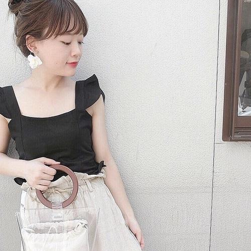 かわいすぎるデザインに注目!「DHOLIC」のバックシャーリングフリルスリーブレスを着て後ろ姿美人になろ♡