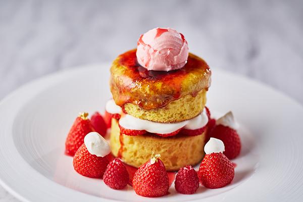 苺尽くしに感動♡ホテル インターコンチネンタル 東京ベイのパンケーキは食感も楽しいクレームブリュレがオン