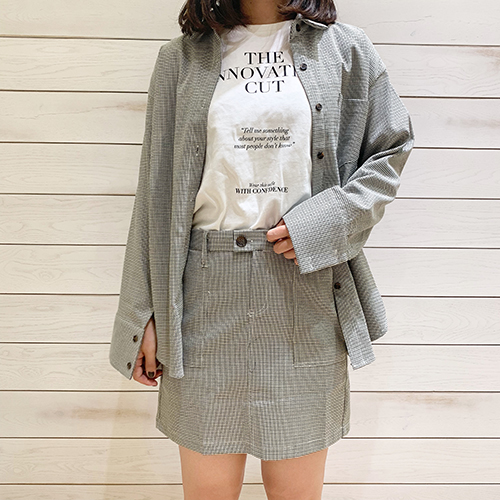 この秋冬ひとつは持っておきたいセットアップ。DHOLICのチェック柄スカート&シャツがトレンドライクでかわいい♡