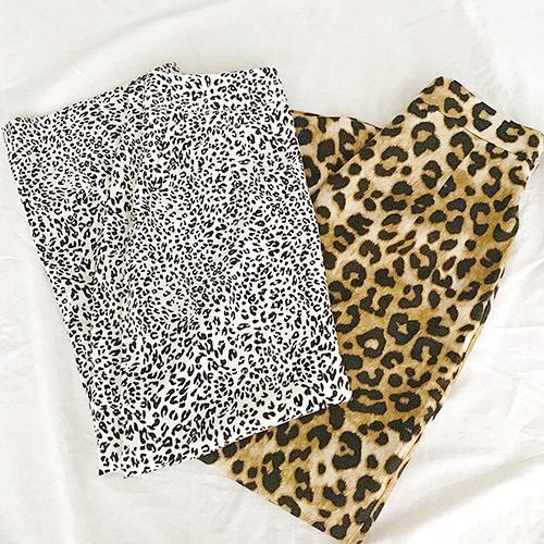DHOLICで人気のレオパ柄スカートを完全調査!秋冬コーデに取り入れて上品にきめる?それとも辛口にきめる?
