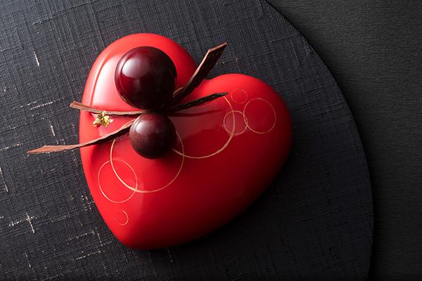ザ・キャピトルホテル 東急のバレンタイン♡今話題のルビーチョコレートを使ったムースケーキが初登場