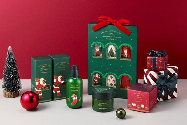 クリスマスカラーのパッケージがかわいすぎ♡韓国コスメ「イニスフリー」から限定コレクションが登場