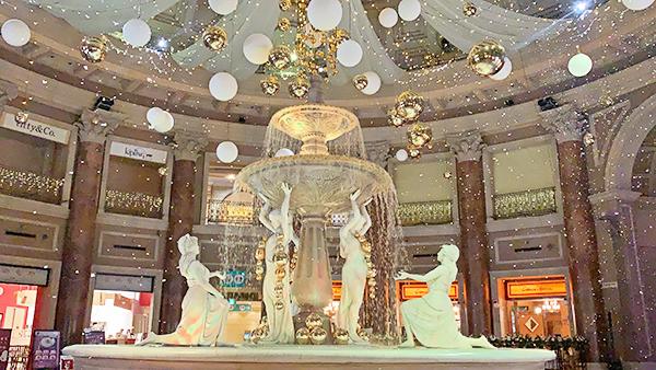 お台場ヴィーナスフォートにもチームラボの作品が登場!冬限定で噴水広場に雪が降ります♡