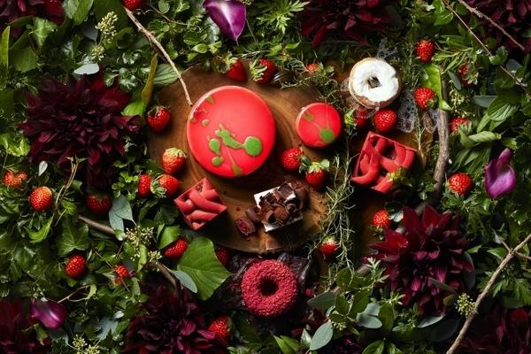 「小さな苺の森」をイメージした大人仕様♡ハイアットリージェンシー大阪のいちごブッフェが1月スタート♩