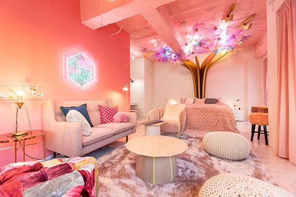 """原宿のかわいいお部屋にお泊りしちゃお♡""""MOSHI MOSHI ROOMS""""の第1弾コンセプトは『SAKURA』"""