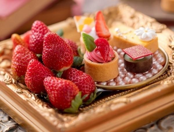 「花の香り」を感じるスイーツも登場♡ホテルニューオータニ大阪「SWATi」コラボのいちごビュッフェがいよいよスタート!