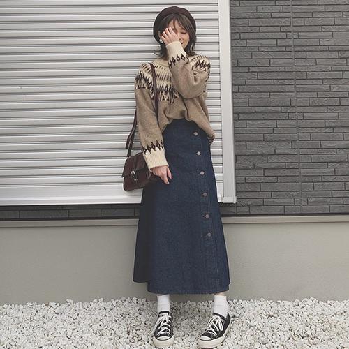 今ならお得にGETできるチャンス♡GUのサイドボタンスカートは春まで使える優秀アイテムなんです♩
