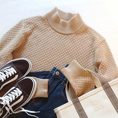 ユニクロのメンズアイテム「モックネックセーター」が女の子におすすめ♡真似して着たいカジュアルルック5つ