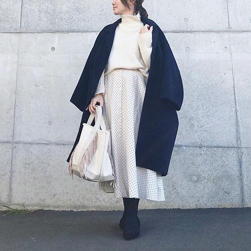 ユニクロの「ボタンサーキュラースカート」で上品スタイルに♡おしゃれさんに学ぶ着回しコーデ集