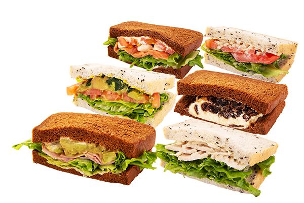 スムージー専門店「フィコ&ポムム ジュース」でヘルシーランチを♩丸ビル店のサンドイッチがリニューアル