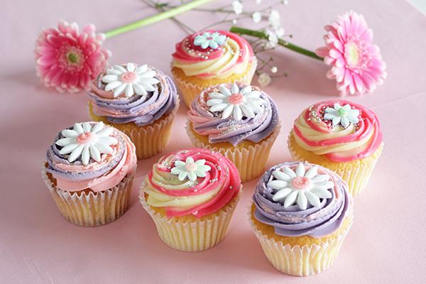 お友達へのバレンタインのお返しに♡「ローラズ・カップケーキ 東京」にお花がかわいい限定カップケーキが登場