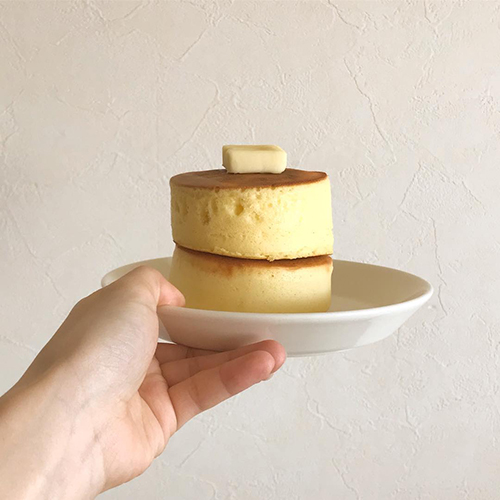"""無印良品の「米粉のパンケーキ」×100均のパンケーキ型でハイクオリティな""""おうちパンケーキ""""作り♡"""